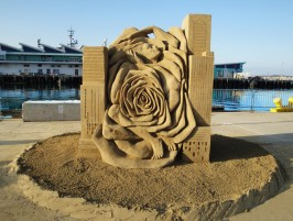 http://www.ussandsculpting.com/wp-content/uploads/2015/04/2014g-Masters-Sculptors-Choice-Michela-Ciappini-Beauty-and-the-Beast-266x201.jpg